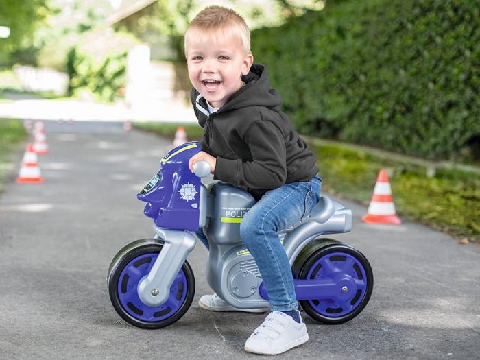 Big premergator motocicleta de politie cu roti din cauciuc [1]