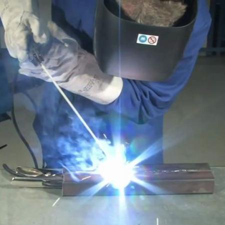 Aparat de sudura tip invertor GIS100 Guede GUDE20023, 10 - 100 A, 4.37 kVA4